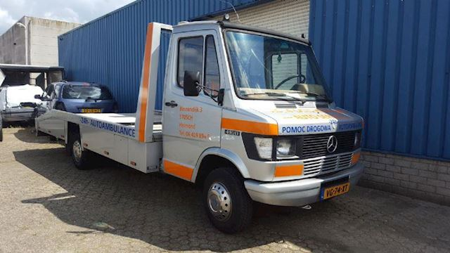 Mercedes-Benz 410 Autotransport autoambulance te KOOP