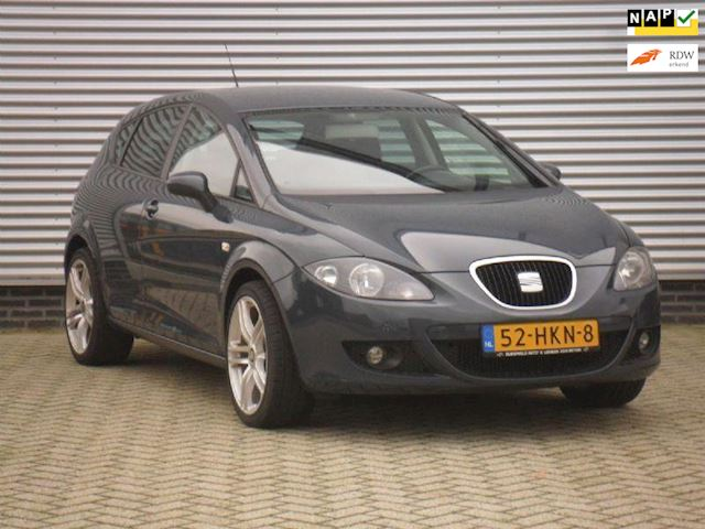 Seat Leon 1.6 i 16V Sport UP..GROOT NAVI...