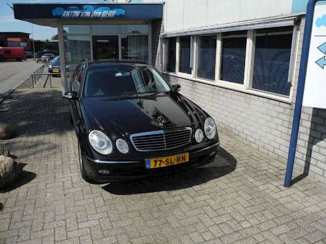 Mercedes-Benz E-klasse Combi 200 K. Avantgarde Select