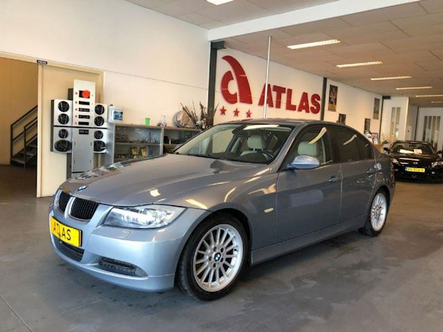 BMW 3-serie 320i Dynamic Executive LEDER,NAVIGATIE,ETC...