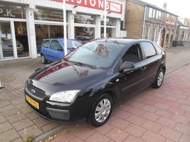 Ford Focus 1.4 ambiente 59kW