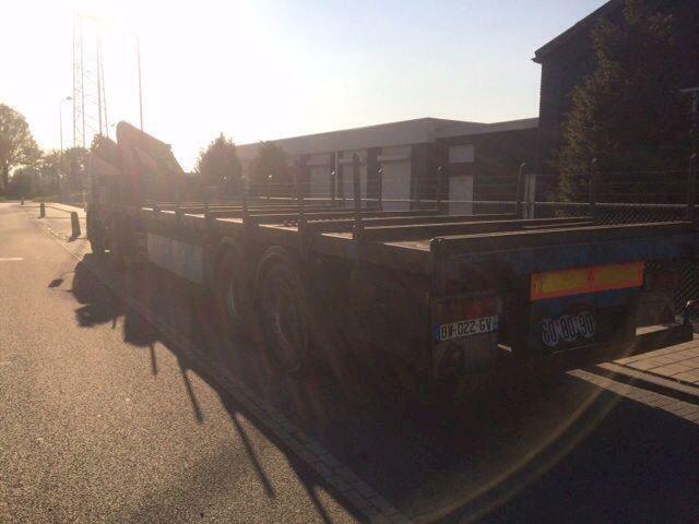Daf 85 cf euro 2 Met kraan en trailer