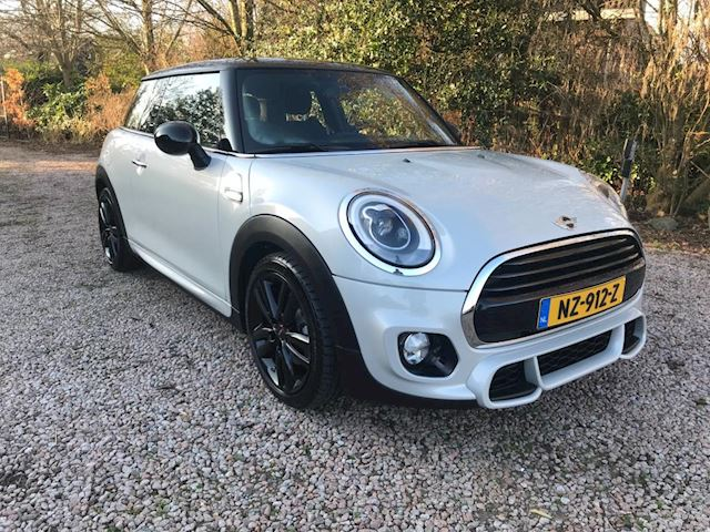 Mini Mini 1.5 Cooper Chili Serious Business Kings Cross JCW