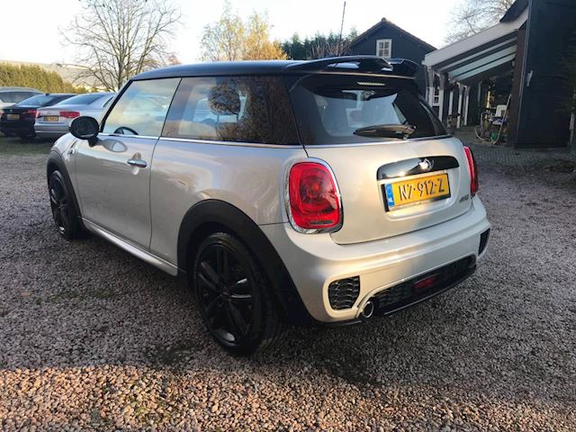 Mini Mini 1.5 Cooper Chili Serious Business King's Cross JCW