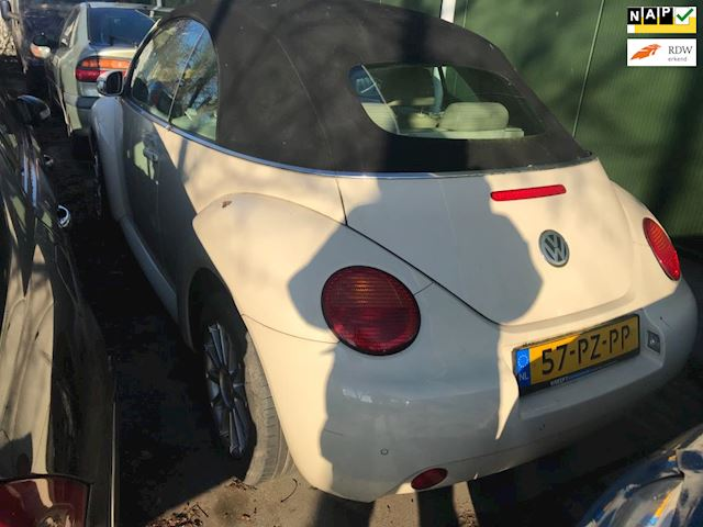 Volkswagen New Beetle Cabriolet 1.8-5V Turbo Highline Motorschade