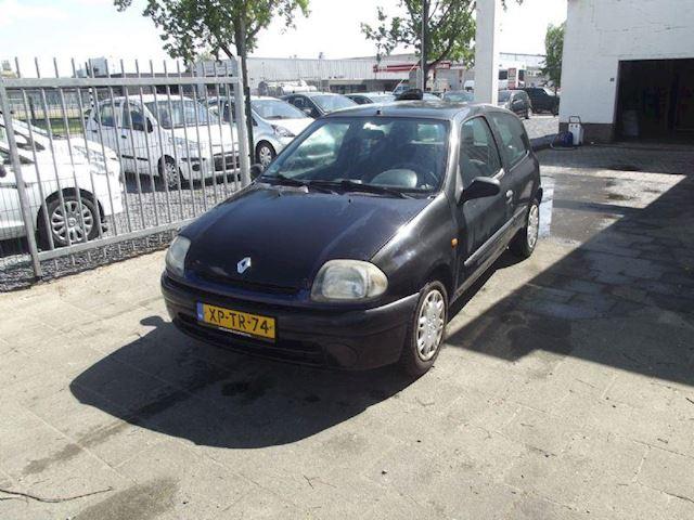 Renault Clio occasion - Urban Cars Maastricht