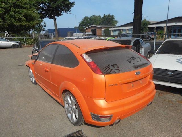 Ford Focus 2.5i st turbo 166kW