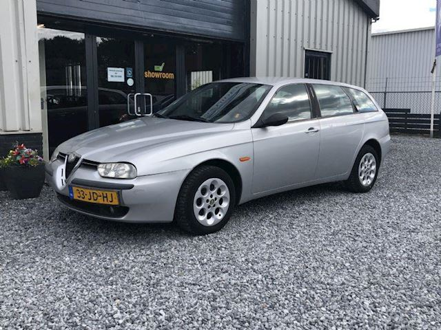 alfa romeo 156 sportwagon 1 8 t s 16v lusso rosso. Black Bedroom Furniture Sets. Home Design Ideas