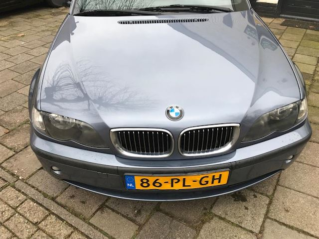 BMW 3-serie Touring 318d Special Edition Leer Navi Yongtimer