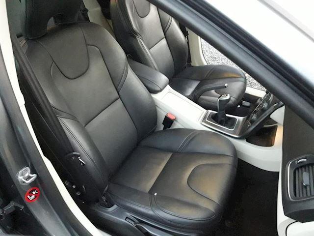 Volvo V40 1.6 D2 Summum Pano Xenon Navi Stoelverw Full Options Airbags OK