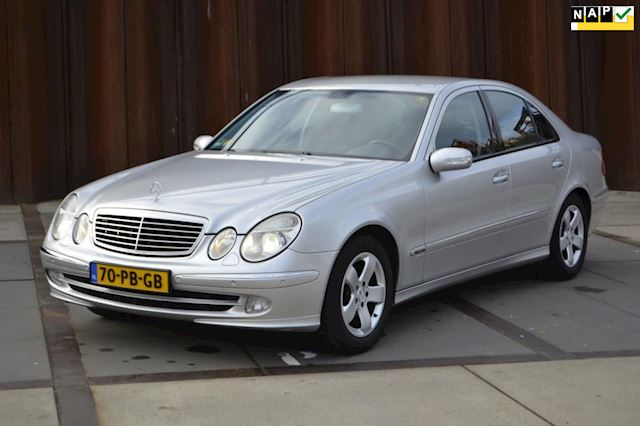 Mercedes-Benz E-klasse 200 K. Avantgarde Navi, PTS, CruiseControl, Trekhaak, Xenon, .......