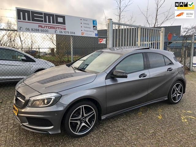 Mercedes-Benz A-klasse 180 Ambition ///AMG Pakket/PANO/LED/18
