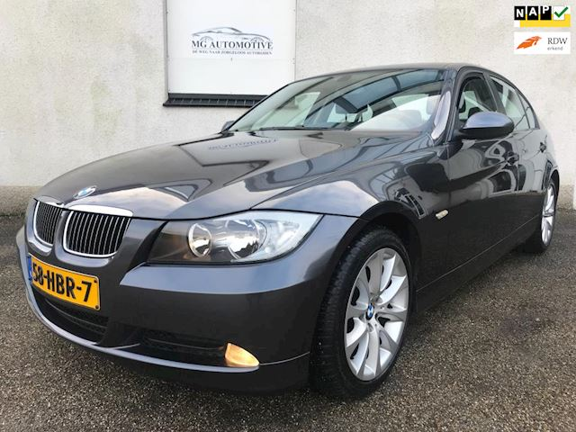 BMW 3-serie 320d Business Line NAVI PDC NL AUTO LAGE KM STAND