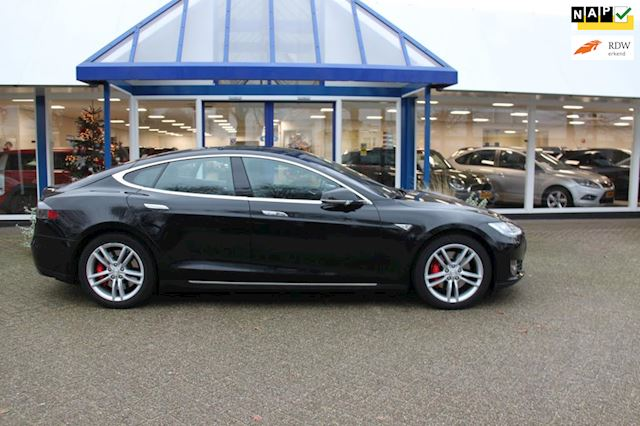Tesla Model S 85D Performance