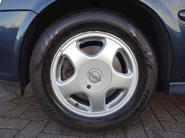 Opel Vectra 1.6-16V Business Edition NETE AUTO, RIJDT GOED, CLIMA.