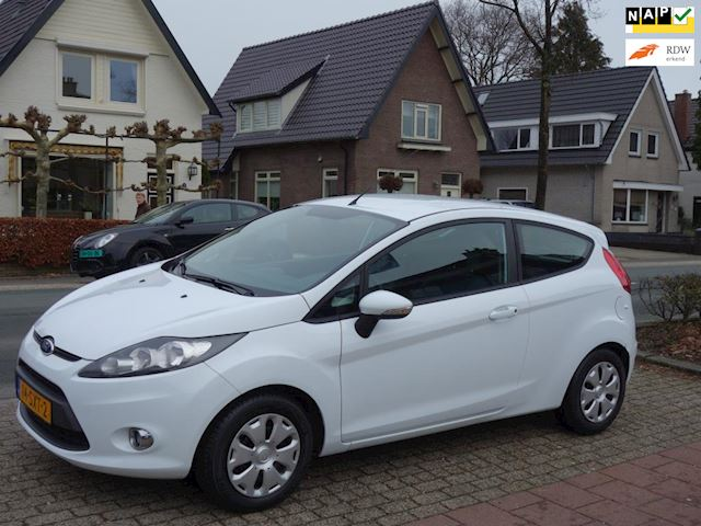 Ford Fiesta 1.6 TDCi ECOnetic Lease Trend Ford Fiesta 1.6 TDCi 154.000 km NAP