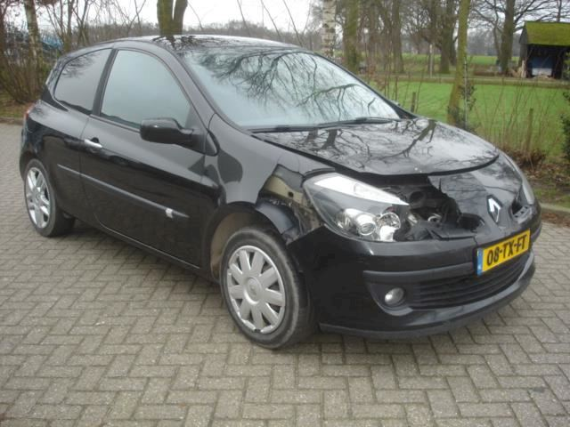 Renault Clio 1.5 DCI  airco - leer - cruise - panorama