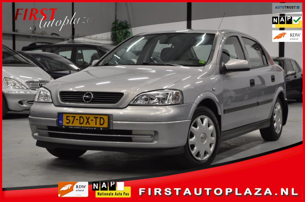Opel Astra occasion - FIRST Autoplaza B.V.