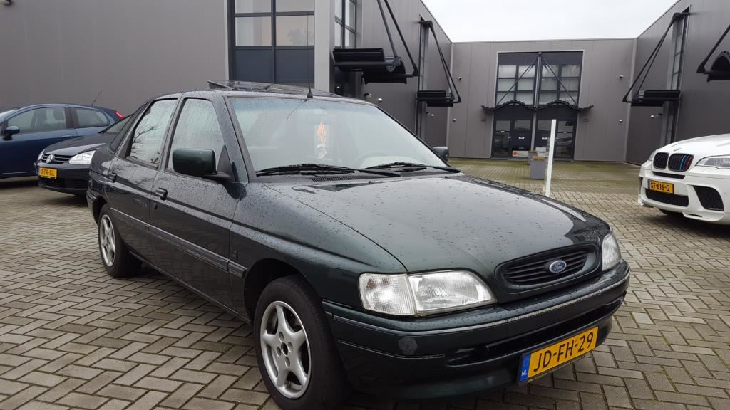 Ford Escort occasion - Weerterveld Auto's