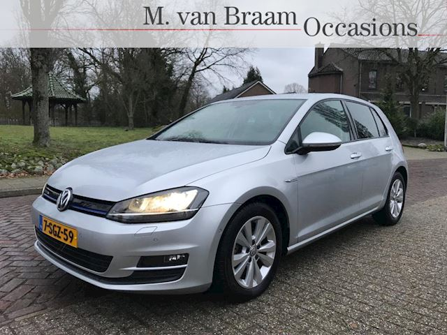 Volkswagen Golf 1.6 TDI Highline BlueMotion 5-Drs Xenon/Navigatie/Stoelverwarming