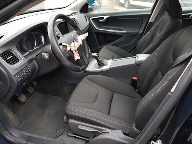 Volvo S60 2.0 D3 Kinetic S60 2.0 D3 Kinetic 110KW Navi Clima 2018 99gr CO