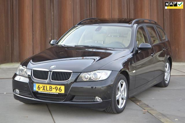 BMW 3-serie Touring 320d High Executive Navi, Pano, Stoelverwarmin, Xenon, PTS, CruiseControl,