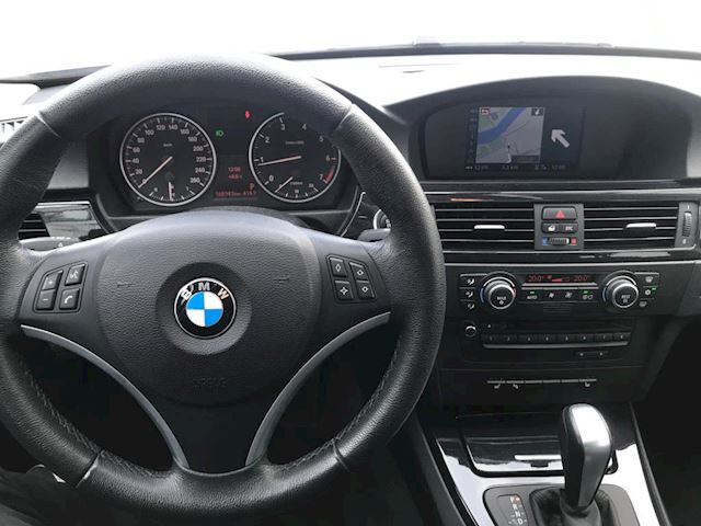 BMW 3-serie 318i High Executive Luxury LEER XENON NAVI SCHUIFDAK