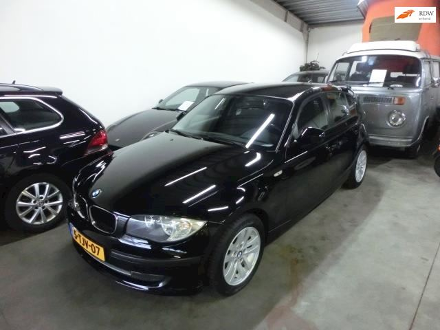 BMW 1-serie 116i Business Line IN ALGEHELE NIEUWSTAAT