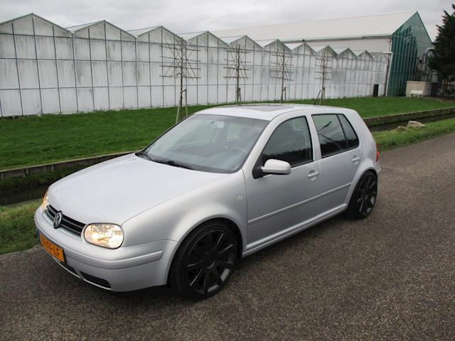 Volkswagen Golf 1.6 Highline