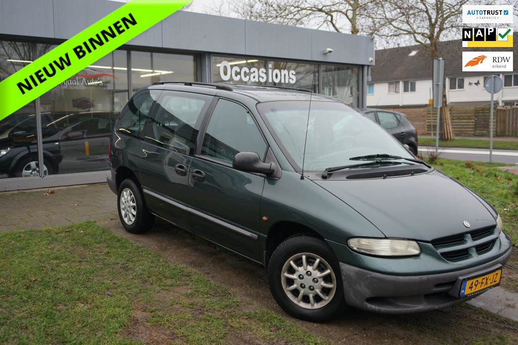 Chrysler Voyager occasion - Loyaal Auto's