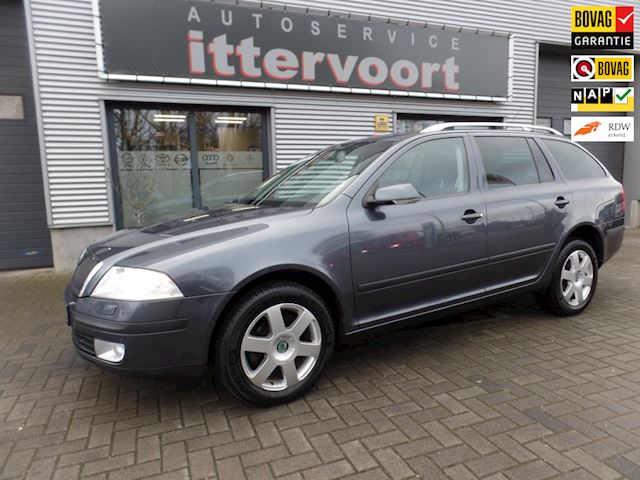 Skoda Octavia Combi 1.6 FSI Elegance Attractive Business
