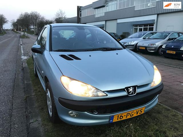 Peugeot 206 1.6-16V Gentry Premium + automaat + Climaat controll