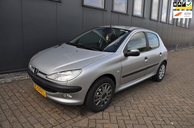 Peugeot 206 1.4 Gentry AIRCO NAP Automaat
