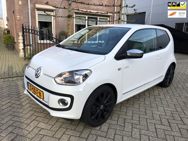 Volkswagen Up! 1.0 high up! BlueMotion airco navi white edition