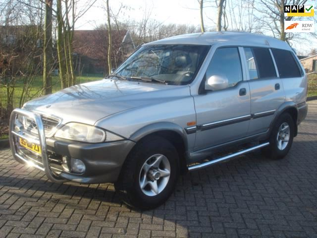 SsangYong Musso 2.3 TD 4X4 airco - leer High Roof
