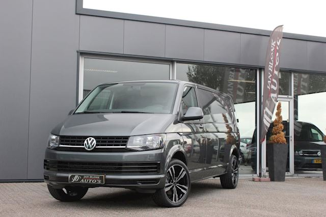 Volkswagen Transporter 2.0 TDI L2H1 150PK / LANG / ELEK-PAKKET / APPLE CARPLAY / 11DKM / NIEUWSTAAT / 6-BAK