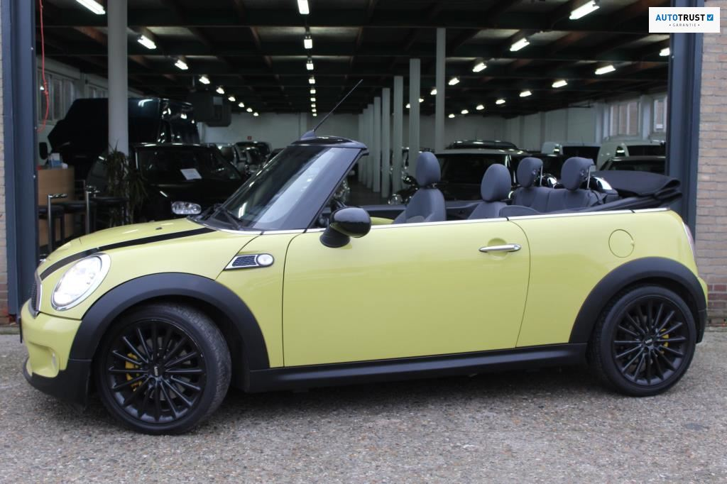 Mini Mini Cabrio occasion - Cathy Dealer Occasions