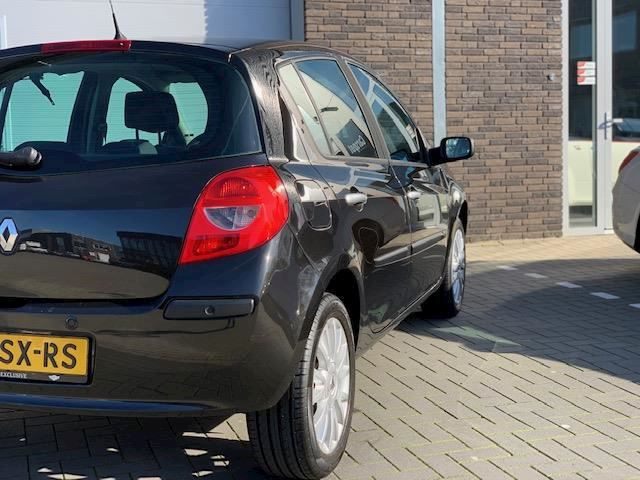 Renault Clio 1.6-16V Dynamique Luxe