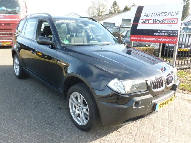 BMW X3 2.5i Executive aut.