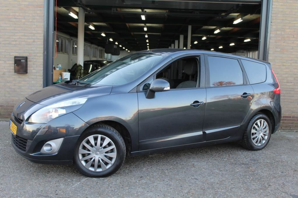 Renault Grand scenic occasion - Cathy Dealer Occasions