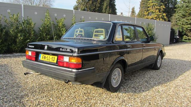 Volvo 240 2.3 GL Automaat Youngtimer