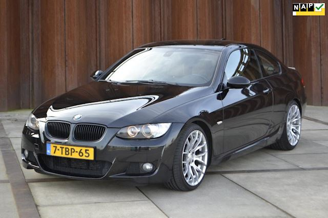 BMW 3-serie Coupé 330d High Executive M-Pakket, Keyless-go, Navi, Xenon, PTS, CruiseControl, .....