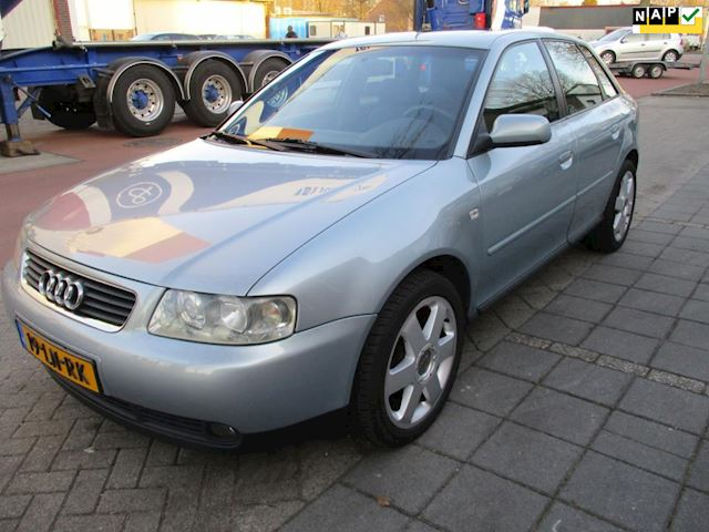 Audi A3 1.6 Attraction 5-deurs/clima/superstaat
