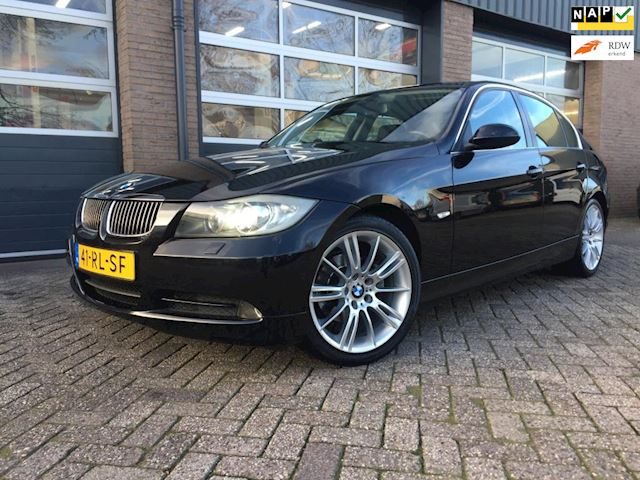 BMW 3-serie 325i Dynamic Executive Automaat