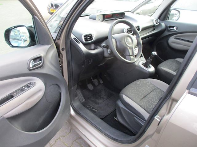 Citroen C3 1.6 HDiF Exclusive Citroen C3 PICASSO 1.6 HDiF Exclusive