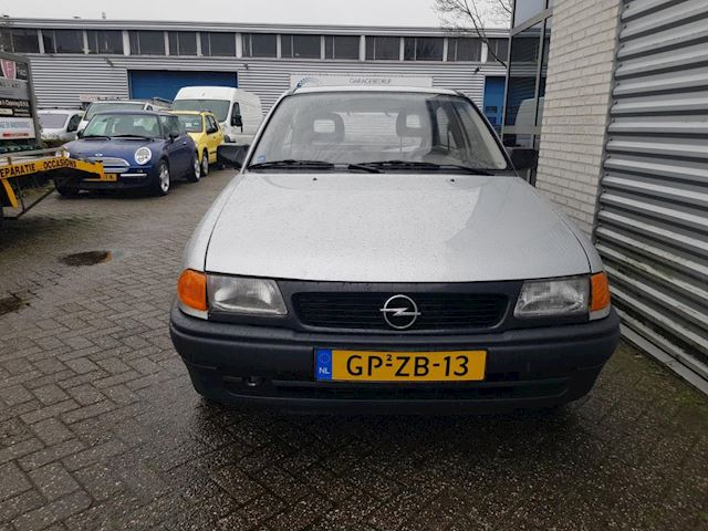 Opel Astra 1.8i Young Opel astra 1.8 young AUTOMAAT
