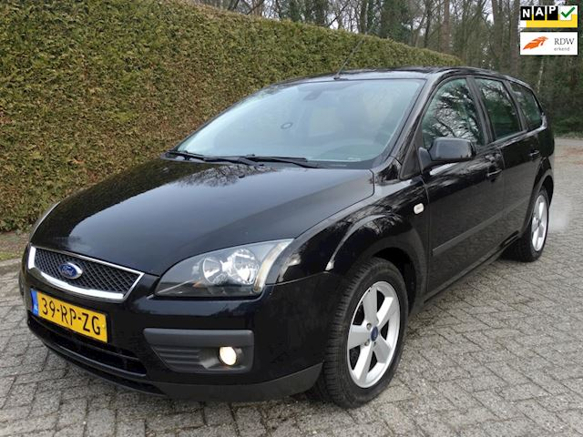 Ford Focus Wagon 1.6-16V Futura nieuw model nette auto