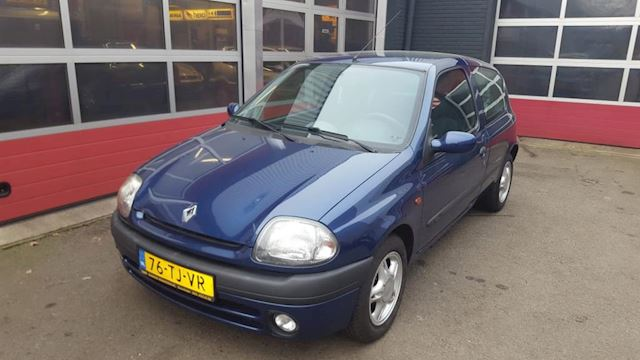 Renault Clio 1.2-16V RT