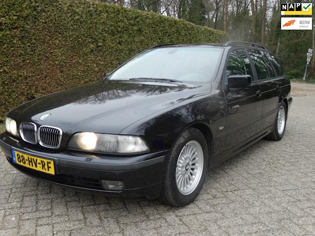 BMW 5-serie Touring 540i FULL OPTIONS! RIJDT PERFECT!!