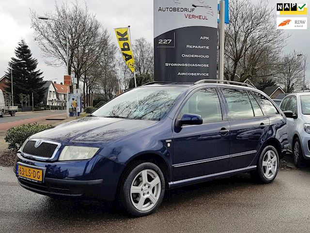 Skoda Fabia Combi 1.4-16V Creation Airco Trekhaak Cruise Nap Boekjes